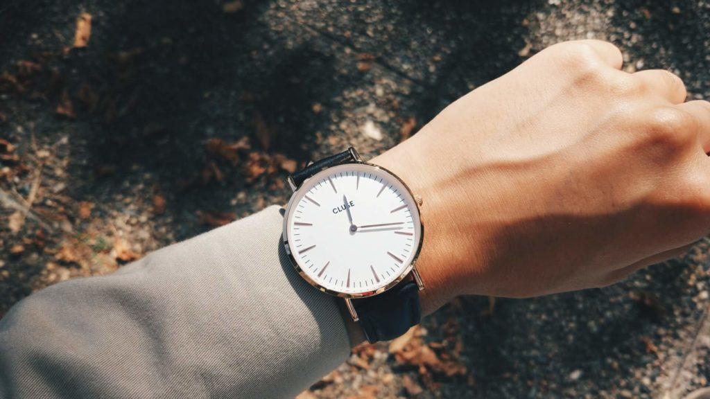 時計を着けている