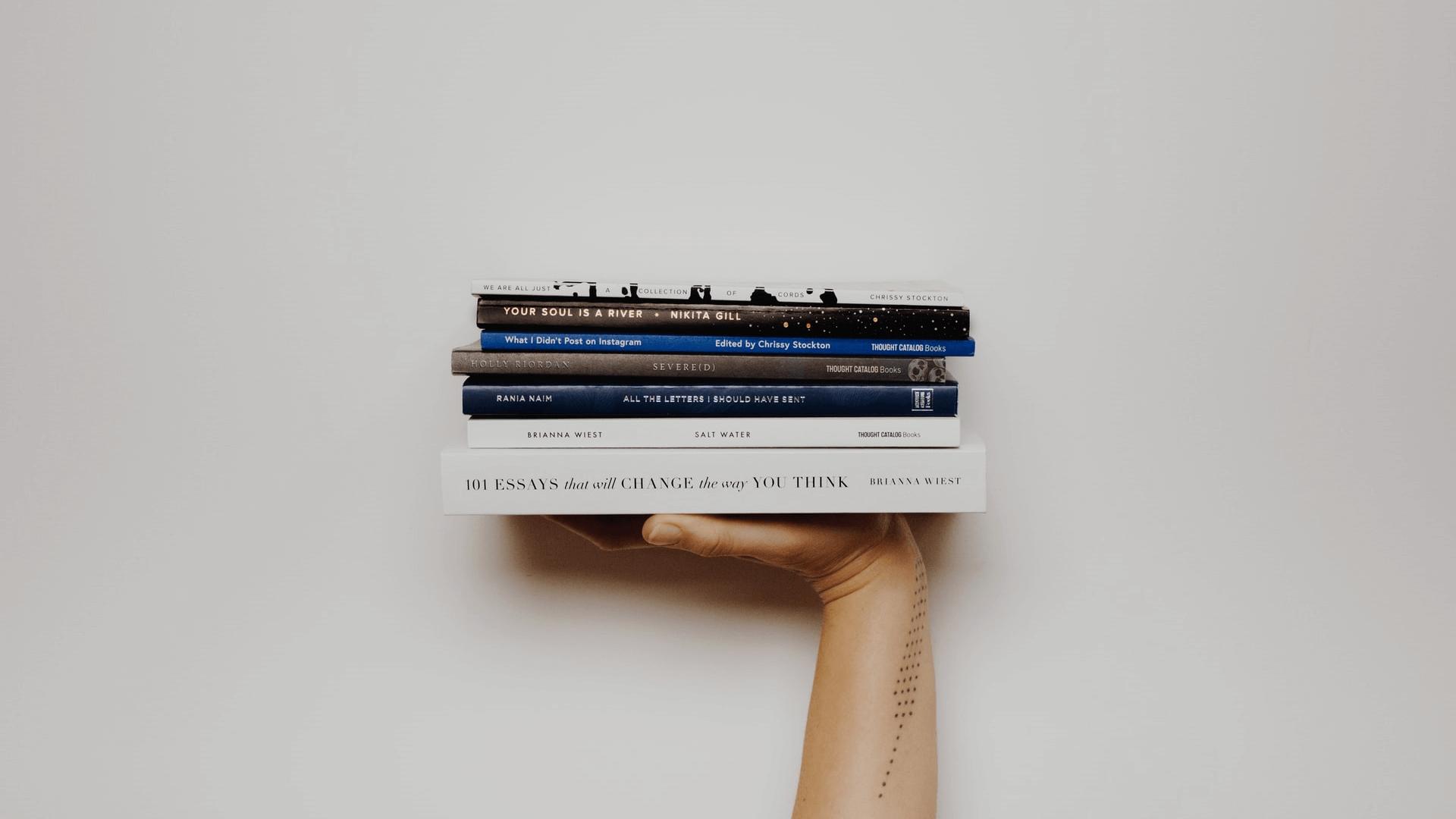 初心者Webライターに読んでほしいおすすめ本【この4冊でOK】